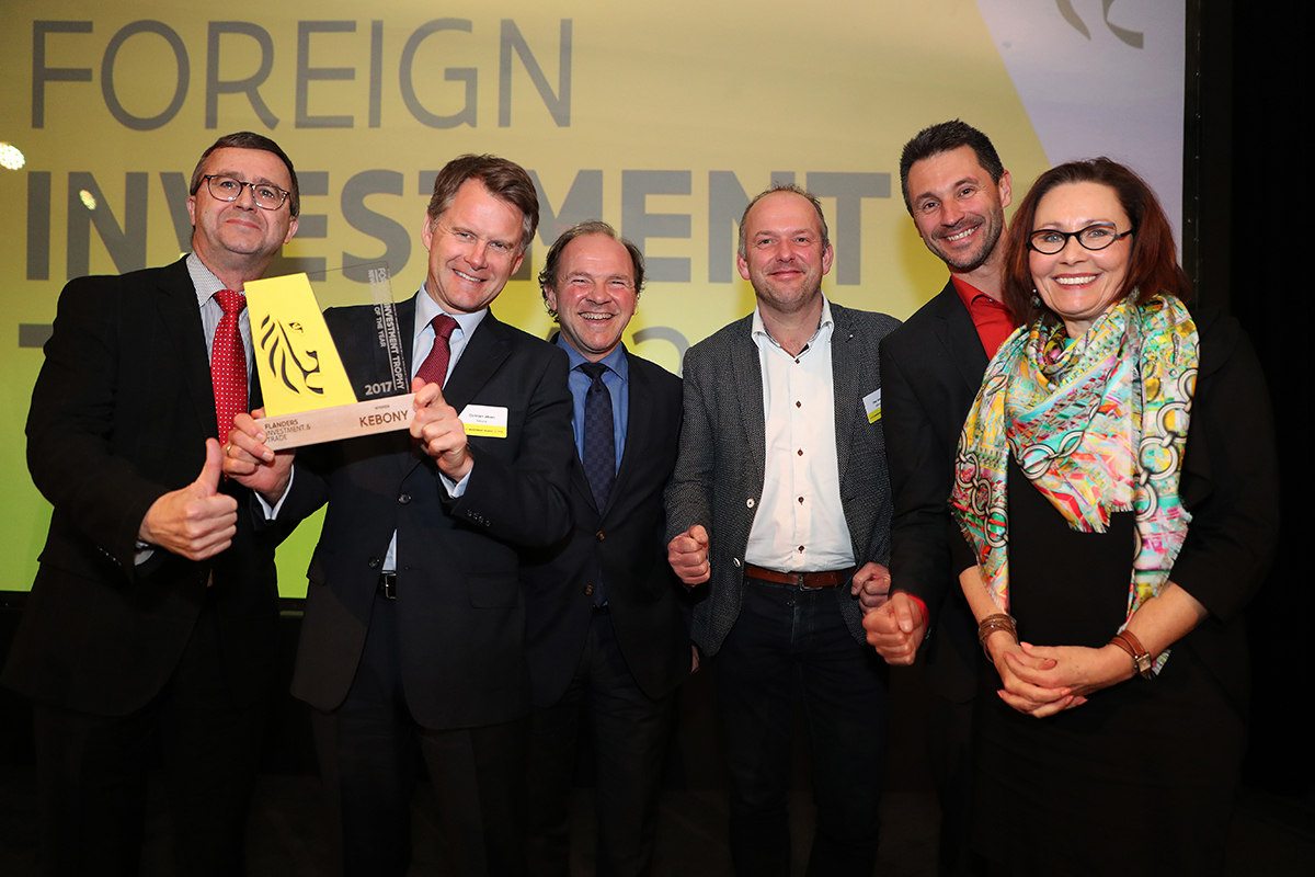 From left to right: Bruno Segers (Chairman of the Board Flanders Investment & Trade), Christian Jebsen (CEO Kebony), Philippe Muyters (Flemish Minister for Work, Economy, Innovation and Sport), Omar Roels (Engineering Manager Kebony Belgium), Bruno van den Branden (General Manager Kebony Belgium), and Claire Tillekaerts (CEO Flanders Investment & Trade).