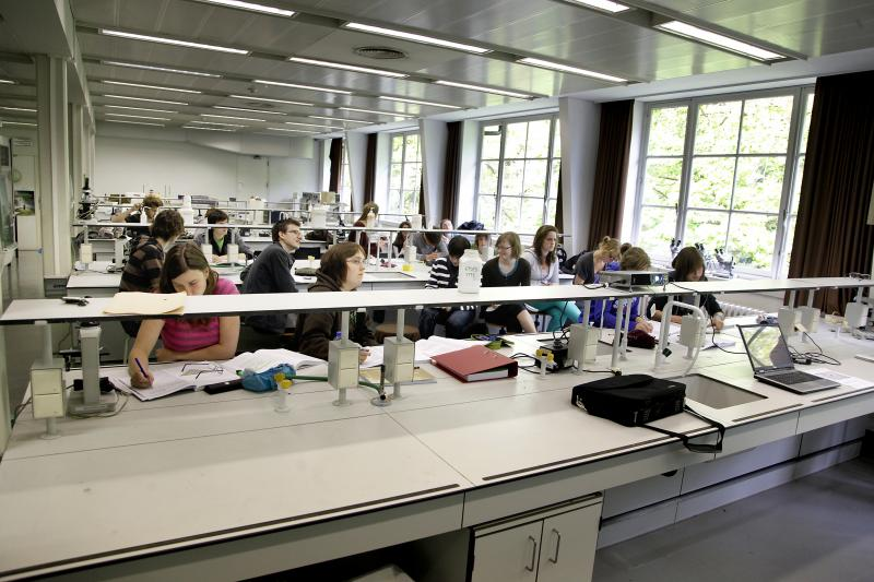 University of Leuven - Faculty of Pharmaceutical Sciences - © Rob Stevens