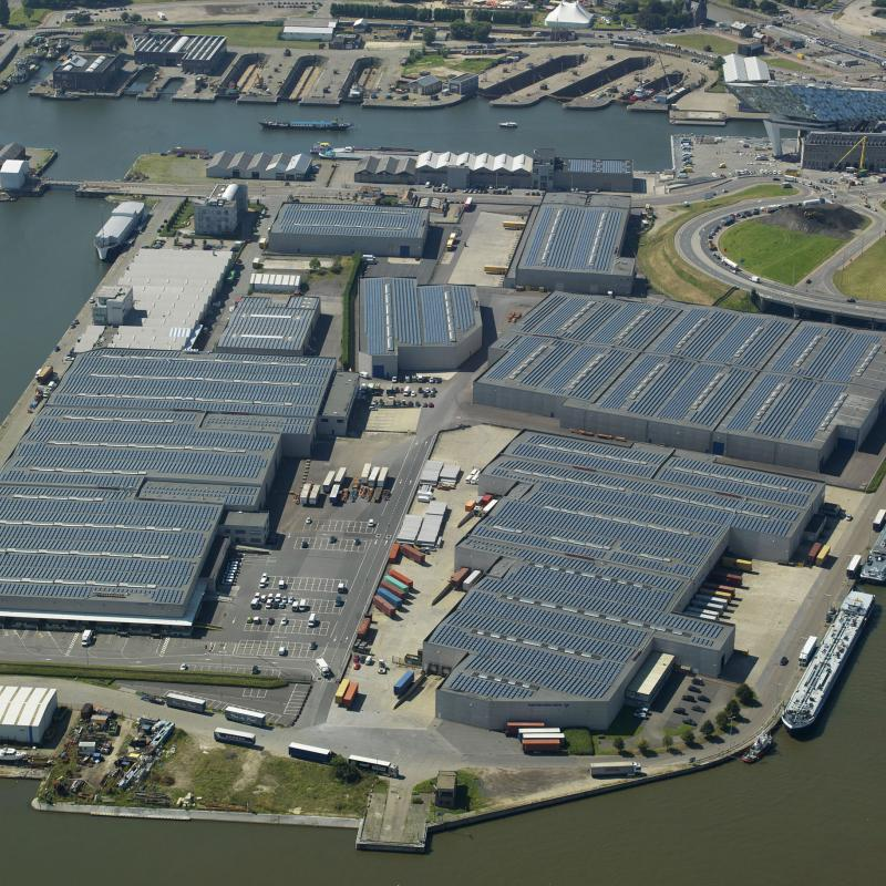 Within the Port of Antwerp, 500 m away from the iconic Port House, Panalpina is turning its existing warehouse into a GDP certified pharma center (bottom right).