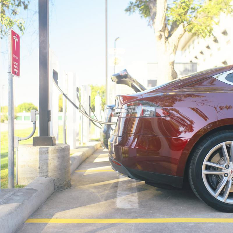 Tesla brings new solar-powered Supercharger station to Limburg, Flanders