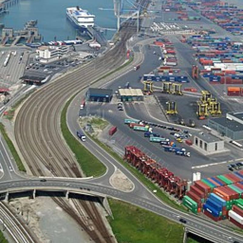 Lingang (CN) will be investing EUR 85.3 million in Zeebrugge to establish a service and distribution park.