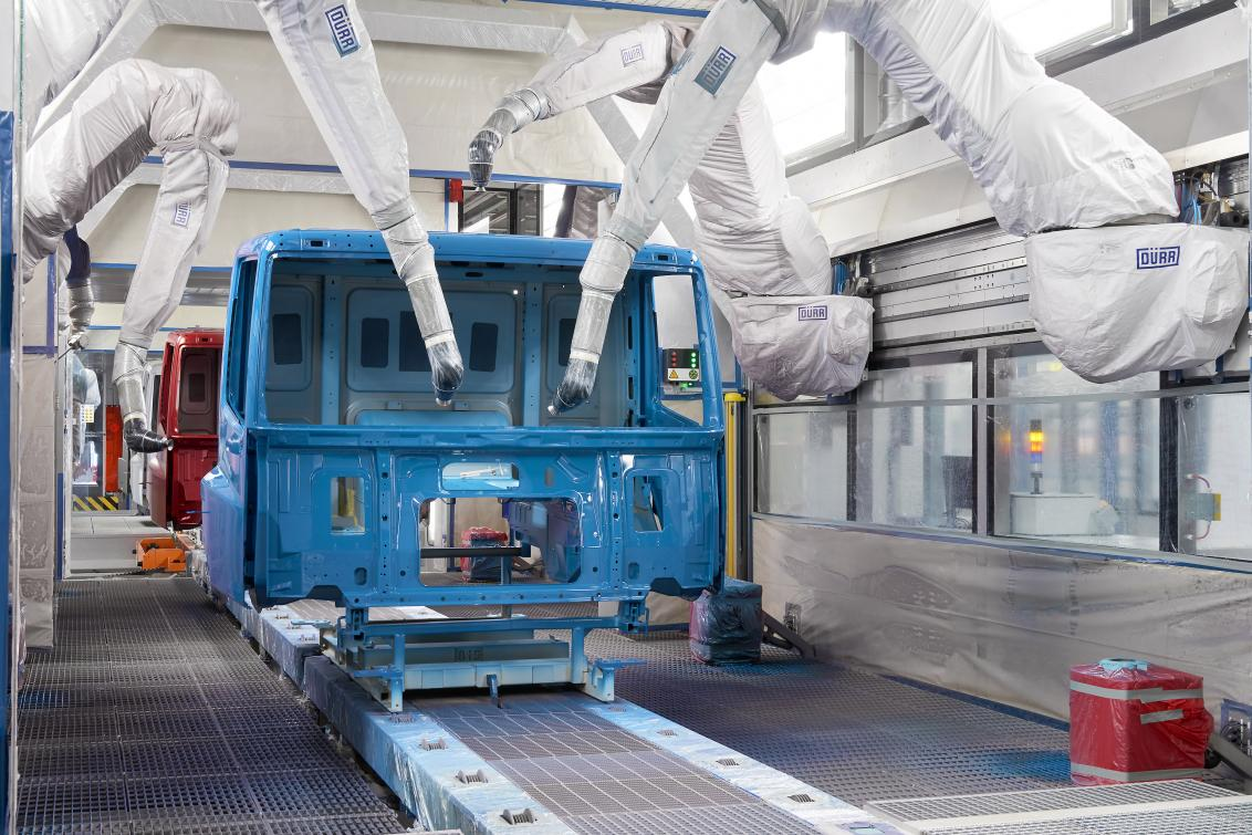 The mechanism in the coating line's lacquer robots can run at a speed of 50,000 revolutions per minute