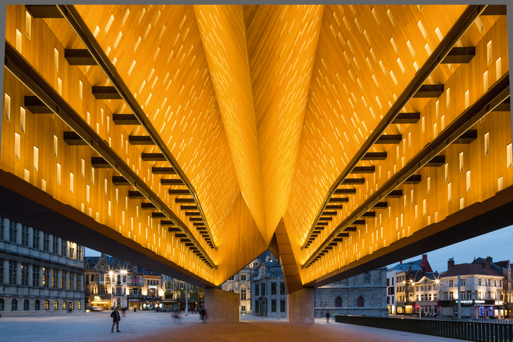 City Hall Ghent - Market hall and central square of the old city of Ghent_architects Robbrecht & Daem & Marie-José Van Hee